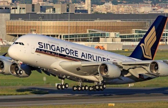 """اختبار تطبيق """"جواز كورونا"""" على الرحلات الجوية بين سنغافورة ولندن"""