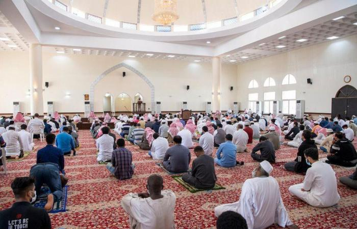 """شاهد.. حملة تتابع الاحترازات بجوامع الرياض تطلقها """"الشؤون الاسلامية"""""""