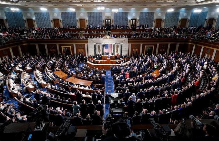 """قيمته 1.9 تريليون دولار.. """"الشيوخ الأمريكي"""" يوافق على مشروع تحفيز """"بايدن"""""""