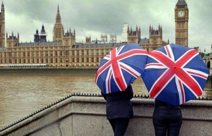 """أخبار مبشّرة من بريطانيا.. تراجع وفيات """"كورونا"""" 41 % خلال أسبوع"""