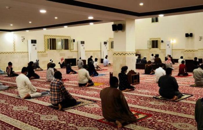 """شاهد ..""""الإسلامية"""" ترصد أداء صلاة التراويح في أولى ليالي رمضان بمساجد المملكة"""