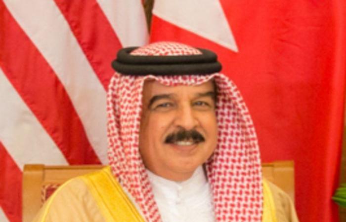 ملك البحرين يستقبل الأمير عبدالعزيز بن سعود