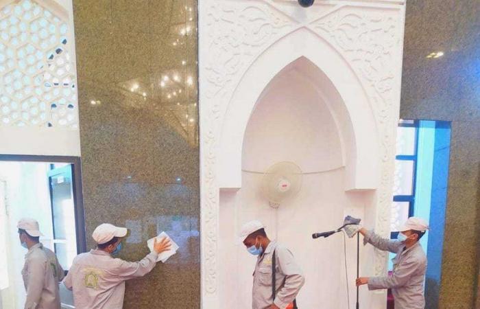 """""""الشؤون الإسلامية"""": إغلاق 16 مسجدًا مؤقتًا في 6 مناطق بعد ثبوت 16 حالة إصابة بكورونا"""