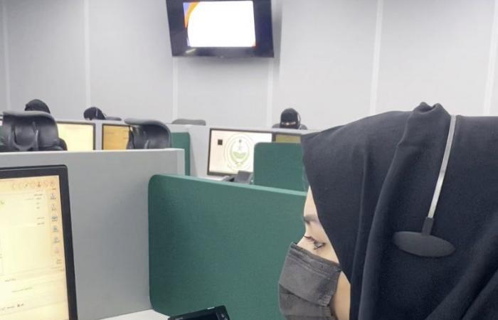 """""""سناب الداخلية"""":""""عهود السليماني"""" شابة سعودية تستمد قوتها من دعاء متصلي """"911"""" في مكة"""
