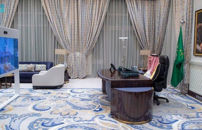 أمام خادم الحرمين .. وزير الاقتصاد والتخطيط يؤدي القسم عبر الاتصال المرئي