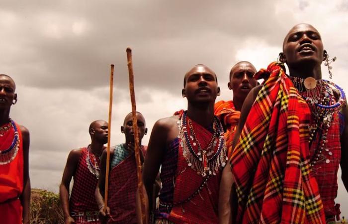 """أغرب القبائل.. بالصور """"التشاجا"""" الإفريقية.. الأسماك ملعونة.. و""""كلمة سر"""" لكل فرد من دونها يُقتل"""