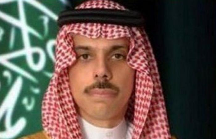 وزير الخارجية يتلقى اتصالاً هاتفياً من نظيره الأردني لبحث العلاقات بين البلدين