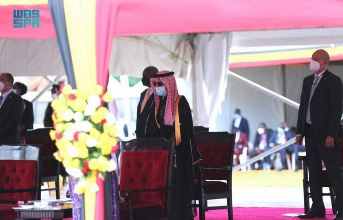"""نيابةً عن الملك.. """"قطان"""" يشارك في مراسم تنصيب رئيس أوغندا"""