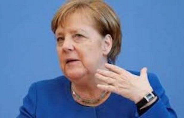 """""""ميركل"""" تطالب """"نتنياهو"""" بإنهاء القتال في غزة"""