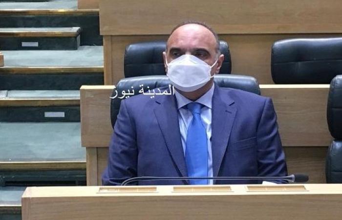 رئيس الوزراء الاردني يصدر بلاغين بشأن استمرار العمل بتقليص ساعات الحظر الليلي وخدمات التوصيل