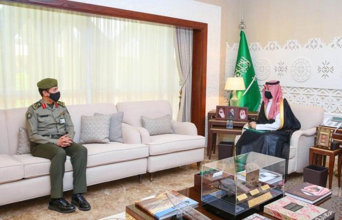 نائب أمير الشرقية يشيد بجهود الجهات العاملة في جسر الملك فهد لخدمة المسافرين