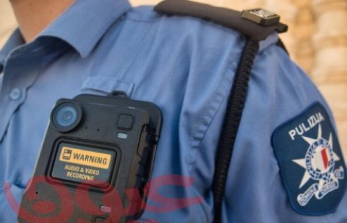 شرطة مالطا تنشر كاميرات موتورولا سوليوشنز القابلة للارتداء للاستخدام من قبل جميع عناصر الشرطة في الخطوط الأمامية