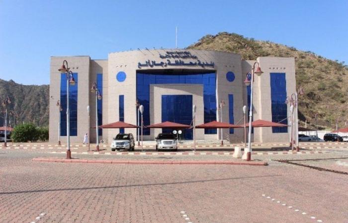 بلدية رجال ألمع تعالج 246 بلاغًا عبر المنصة الرقمية
