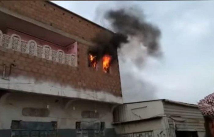 """تصعيد حوثي خطير.. قصف هستيري بـ26 قذيفة على """"حيس اليمنية"""""""