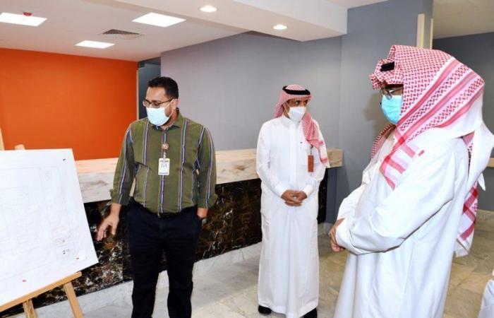 """""""القرشي"""" يتفقد المركز الطبي ومشروع وحدة علاج الحروق في ينبع الصناعية"""
