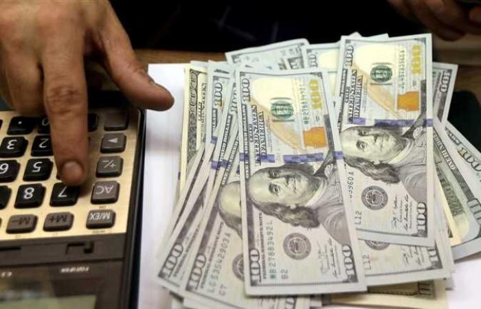 توقعات زيادة الفائدة الامريكية تدفع الدولار الي الارتفاع