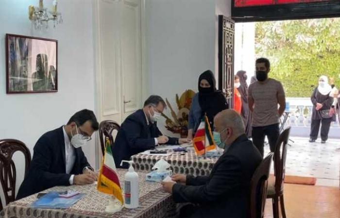 مراكز الاقتراع الإيرانية تغلق أبوابها لاختيار رئيسا للبلاد