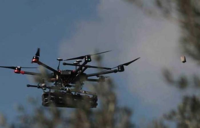 المقاومة الفلسطينية تسقط طائرة مسيرة إسرائيلية غربي غزة (فيديو)