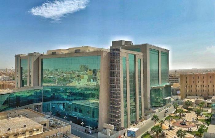 """""""سعود الطبية"""" تحذّر من مخاطر التعرُّض لأشعة الشمس على العيون"""