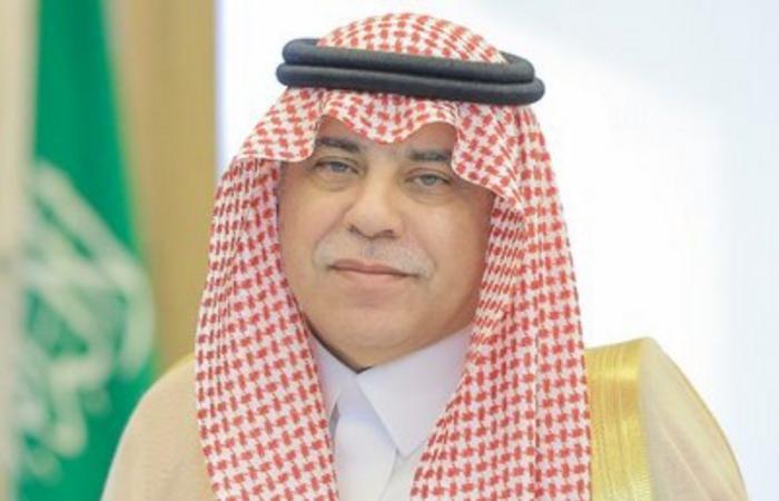 """""""القصبي"""" يقف على أعمال فرع الوزارة والمركز السعودي للأعمال بالشرقية"""