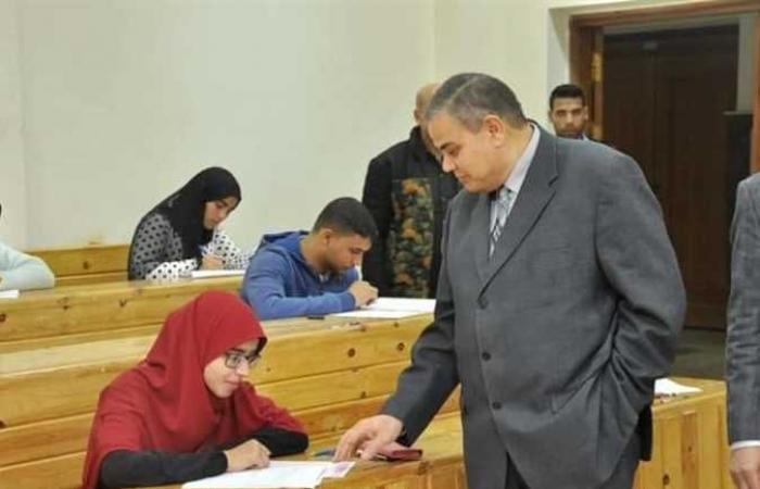 كليات جامعة كفرالشيخ تواصل الامتحانات وسط إجراءات مشددة للوقاية من كورونا