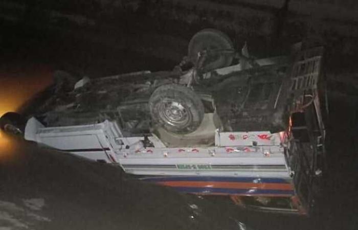 سقوط سيارة بترعة الحاجر في أسوان وإصابة 4 أشخاص