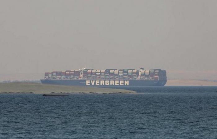 """قناة السويس: التوصل لاتفاق مبدئي بشأن السفينة """"إيفر جيفن"""""""