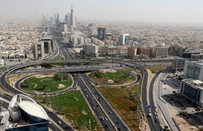 بلومبيرغ: السعودية تدرس إنشاء مطار جديد في الرياض
