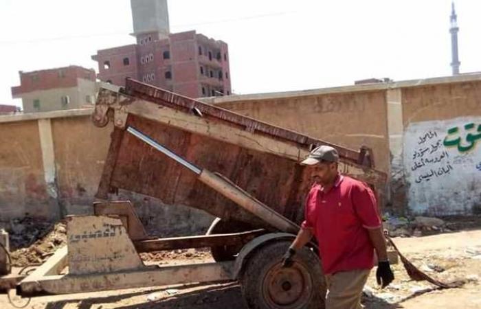 رئيس مدينة الحامول يتابع أعمال النظافة بالمركز