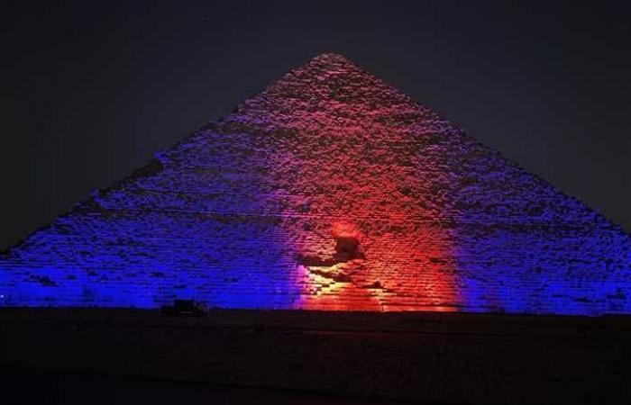 بالتزامن مع الاحتفال باليوم العالمي للالتهاب الكبدي.. إنارة عدد من المعالم الأثرية والمستشفيات