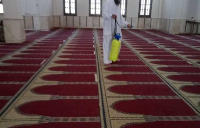 رش وتطهير مساجد شمال سيناء استعدادًا لصلاة الجمعة