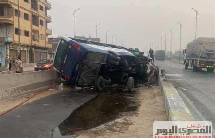 إصابة 18 بينهم أطفال في انقلاب أتوبيس المدرسة الانجيلية بطريق المنصورة القاهرة (صور)