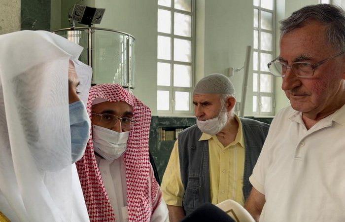 """مواطن بوسني لوزير""""الإسلامية"""": نتابع التقدم الكبير للمملكة في ضوء رؤية 2030"""