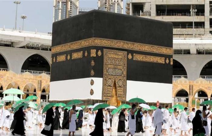 السعودية تستقبل موسم العمرة بـ60 ألف لتر مطهرات وروبوتات (تفاصيل)