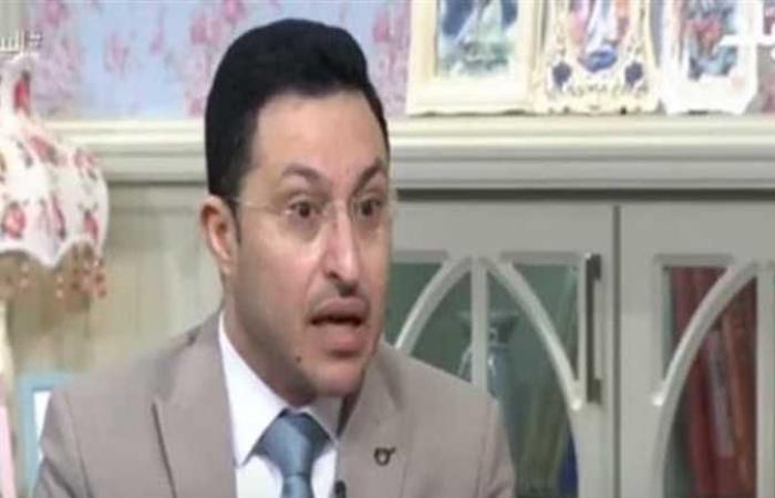 داعية يروي قصة حكم عمر بن الخطاب على نجل عمرو بن العاص بسبب قبطي