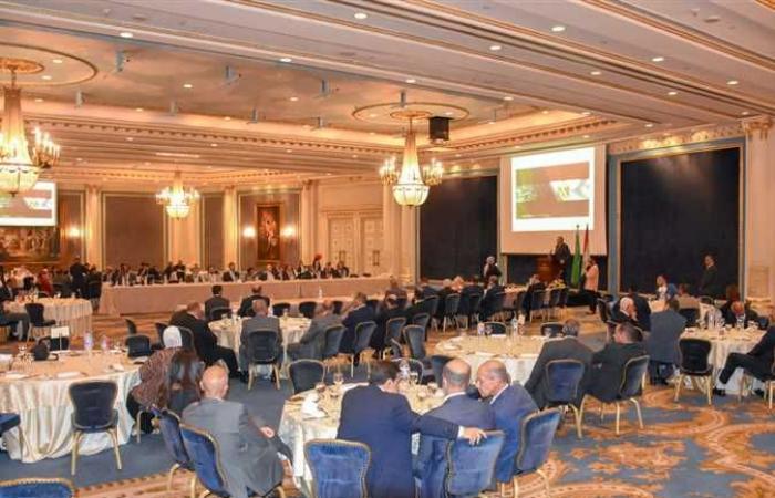 انتهاء خدمة قنصل السعودية في الإسكندرية.. والمحافظ يودعه (صور)