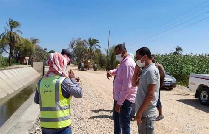 استمرار أعمال تبطين الترع في قرىالطود جنوب الأقصر