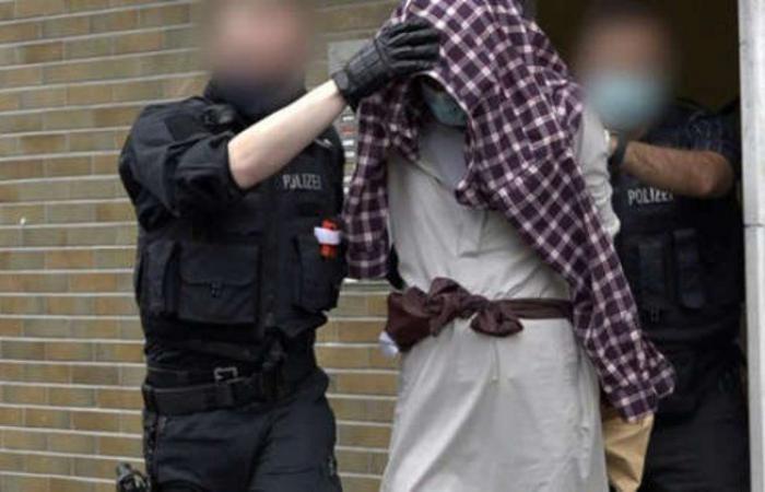 ألمانيا تعتقل 4 أشخاص على خلفية تهديد بمهاجمة معبد يهودي