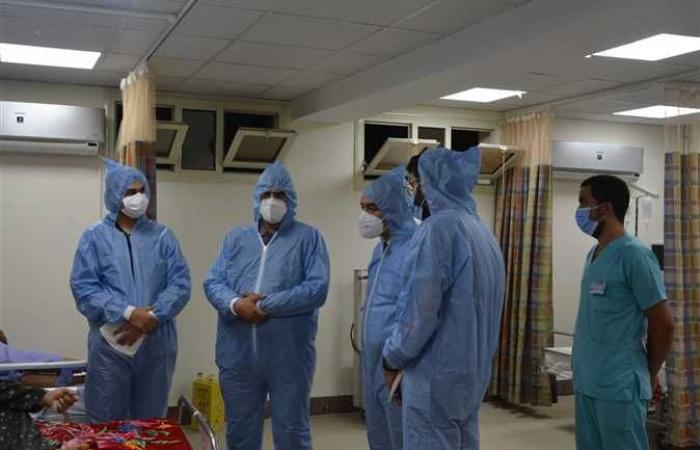 نائب محافظ المنيا يتفقد أقسام العزل بمستشفيات الحميات والصدر ومركز تلقي اللقاح