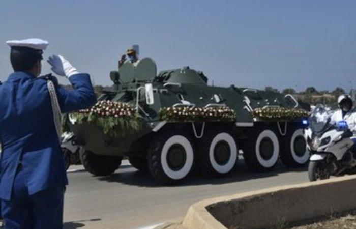 بالصور .. تشييع الرئيس الجزائري السابق في جنازة رسمية