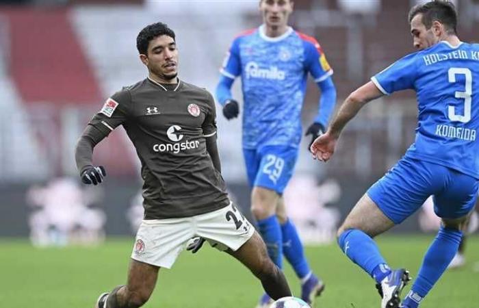 بعد انضمامه لقائمة منتخب مصر .. أرقام عمر مرموش في الدوري الألماني
