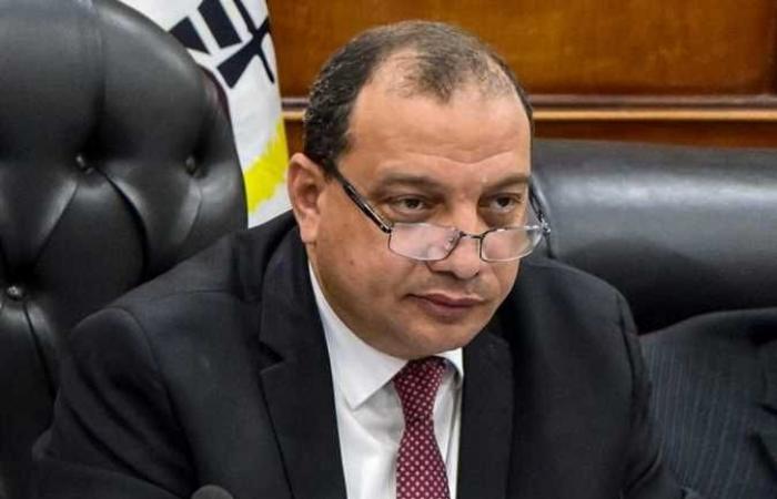 وزير التعليم العالي يشيد بدليل الشُعب والبرامج الجديدة بجامعة بني سويف