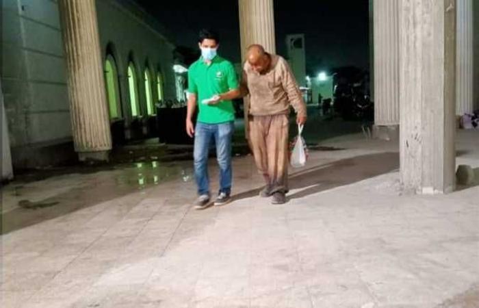 فريق كبار بلا مأوى ينقذ رجل مسن من الشارع