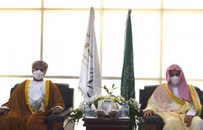 النائب العام يستعرض مع المدعي العام العماني سبل تطوير التعاون