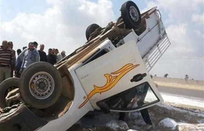 مصرع 5 أشخاص في حادث تصادم سيارتين بأسوان