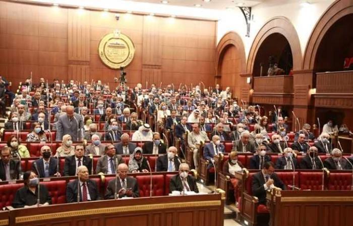 برلماني يطالب بوقف صرف الدواء بدون روشتة ومنع كافة التجاوزات الطبية بالصيدليات