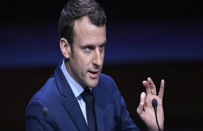 بالفيديو .. رشق الرئيس الفرنسي بالبيض في ليون