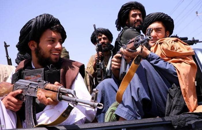 """طالبان تمنع صالونات الحلاقة من قص اللحى بـ""""هلمند الأفغانية"""""""