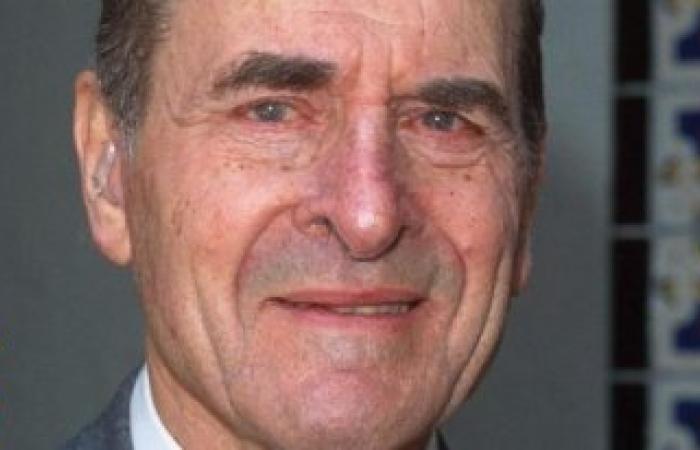 وفاة الطبيب الأمريكي هنري هيمليك مخترع علاج الانسداد الهوائي بعمر 96 عاما