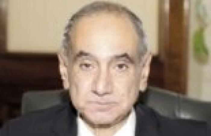 وزير الإسكان يناقش مخططات التنمية في سيناء
